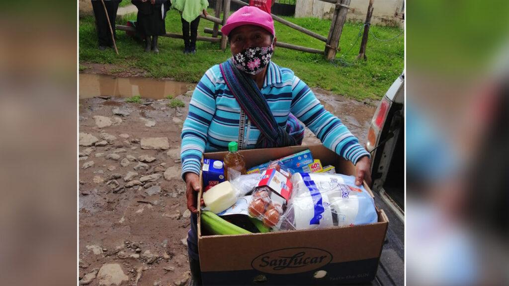 Unser Spendenaufruf im Mai 2021. Lebensmittelausgabe in Cucupuro im April 2021. Foto © Daniel Arteaga