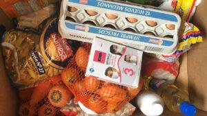 Über ein Jahr halfen die Damas Alemanas mit Nahrungsmittelkisten. Foto © Benita Schauer