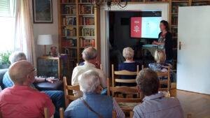 Im August 2021 hielt die Schriftführerin der Damas, Sandra Biebeler, einen Vortrag über Ecuador und die Damas Alemanas in ihrer Heimatstadt Dessau. Foto © Bettina Uebe