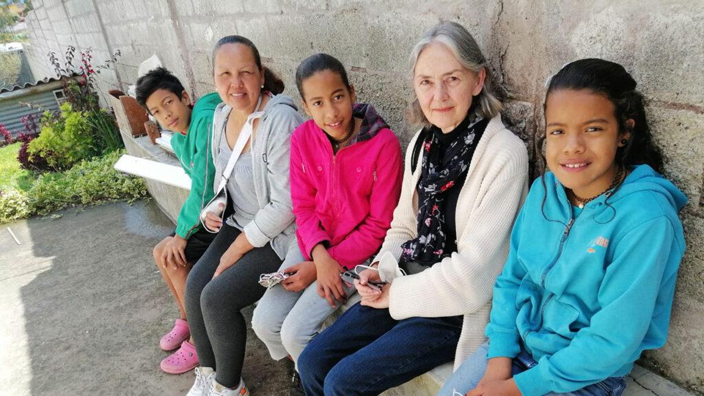 Die Damas unterstützten Blanca Vielma mit Nahrungsmitteln und Schulmaterial. Foto © Jorge Salazar